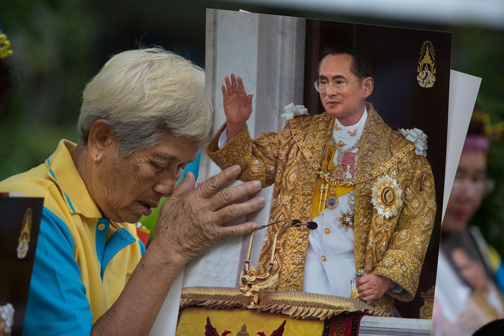 Morto il Re Tailandese Bhumibol Adulyadei