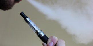 Sigarette elettroniche arrivano i rincari