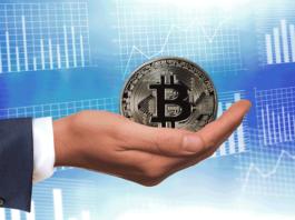 Bitcoin prova a risalire dopo venerdì nero