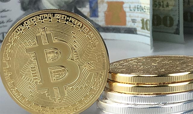 La quotazione Bitcoin è scesa sotto il 9 mila dollari